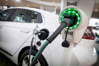 Rząd zachęca do zakupu ekologicznych samochodów osobowych