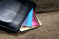 Koszty podatkowe: zapłata kartą na równi z przelewem bankowym?