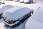 Samochód zimą: rozgrzać auto na postoju czy ruszyć od razu?