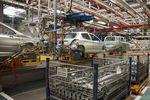 Utrzymuje się wysoka produkcja samochodów