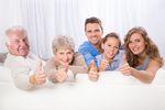 Co 7. emeryt regularnie pomaga finansowo rodzinie