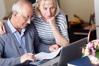 Dzień Babci i Dziadka: jak wyglądają finanse seniora?