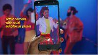 Smartfon Motorola Moto Z2 Play - video