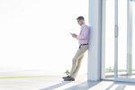 Ile wytrzymujemy bez smartfona? Zobacz zaskakujące wyniki