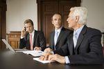 Spółka kapitałowa w organizacji: kto odpowiada za zobowiązania?