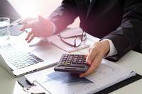 Jak zapłacić niższy podatek od sprzedaży akcji?