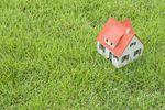 Sprzedaż budynku ze zwolnieniem dla gruntu rolnego w PIT?