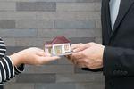 Sprzedaż mieszkania z kredytem. Jak zrobić to najlepiej?