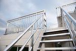 Balustrady schodowe w budynku mieszkalnym z 8% stawką VAT?