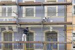 Jaka stawka na usługi remontu domu o dużej powierzchni?