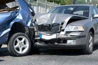 Stłuczka na parkingu: co robić, czego unikać?