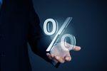 Stopy procentowe zamrożone, ale nie w bankach