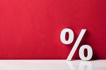 Wyższe stopy procentowe na dalszym planie