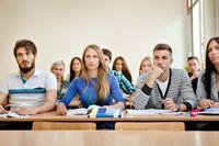 Młodzi Polacy wybrali kierunki studiów. Czy trafili?