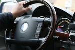 Bezpieczna i zdrowa pozycja za kierownicą