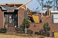 Wiatry, burze, huragany. 3 powody, aby ubezpieczyć mieszkanie