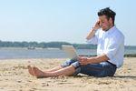 Urządzenia elektroniczne niezbędne na wakacjach