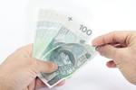 Pomyłkowy przelew na konto walutowe może kosztować nawet 900 zł