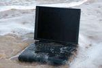 Zalany laptop? 6 porad jak nie utracić danych