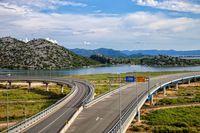 Samochodem po Europie: jakie opłaty za autostrady?