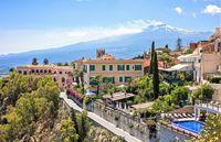 Taormina, widok na wulkan Etna