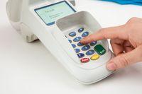 Szybki wzrost płatności polskimi kartami Visa za granicą