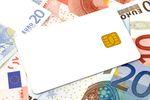 Ferie za granicą: waluta z kantoru czy karta?