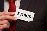 Etyka w pracy, czyli więcej niż wymaga prawo