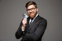 Przedsiębiorca z kartą kredytową
