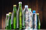 Woda butelkowana leje się strumieniami?