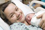 Jak dłuższy urlop macierzyński wpłynie na zasiłek?