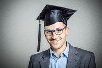 Wynagrodzenia absolwentów publicznych uczelni technicznych w Polsce w 2016
