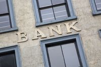 Jakie zarobki w banku w 2018 roku?
