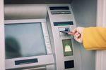 Korzystasz z bankomatów za granicą? Zobacz, na co uważać