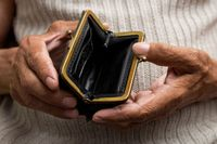 Wiek emerytalny w dół, długi emerytów w górę