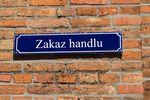 Jak Polacy radzą sobie z niedzielami bez handlu?