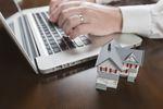 Zakup mieszkania bez wychodzenia z domu? Jak deweloperzy komunikują się z klientami