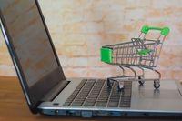 1/2 Polaków robi zakupy online, 1/2 chce testować w sklepie