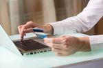 W e-commerce ciągle króluje tradycyjny przelew
