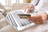 Za e-zakupy coraz rzadziej płacimy gotówką