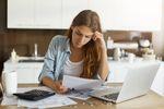 Skąd biorą się zaległe płatności?
