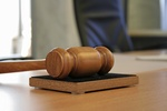 Ile zarabia adwokat?