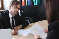 Jak w zgodzie z przepisami zatrudnić cudzoziemca?