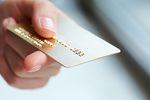 Zobacz, jak karta kredytowa obniża zdolność kredytową