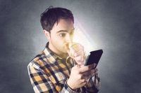 Hakerzy kryją się za reklamami w smartfonach