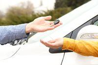 W 2014 r. sprzedaż używanego samochodu osobowego z VAT