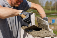 Zwrot VAT przy zakupie usług budowlanych z odwrotnym obciążeniem