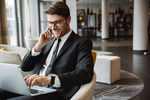 Laptopy do firmy: jak wybrać idealny laptop do zastosowań biznesowych?