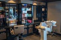 W czasie pierwszego lockdownu zakłady fryzjerskie były zamknięte