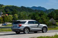 Ford Explorer 2020 - z tyłu i boku